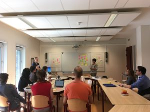 Expertmeeting DB-connect 21 juni 2018 - deelnemers in workshopruimte